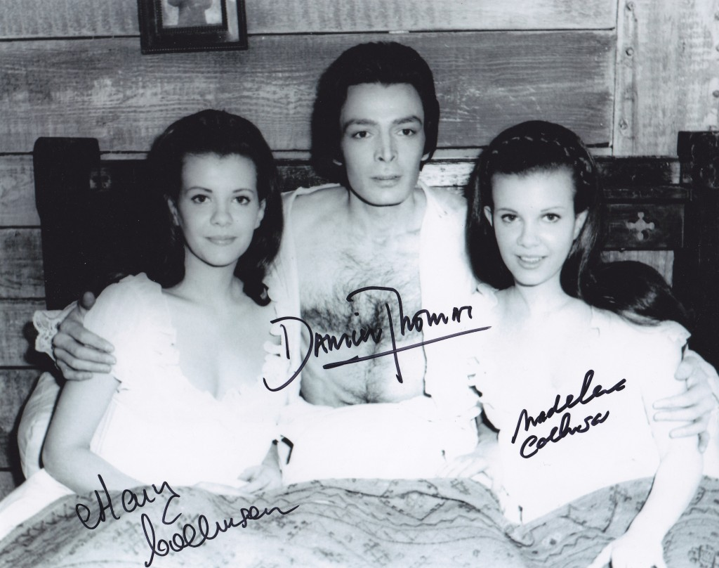 Collinson Mary Madeleine Damien Thomas Signed 8 E2 80 B E2 80 B3 Still Twins Of Evil Hammer 0453